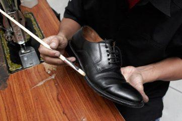 jasa reparasi servis sepatu captain fix